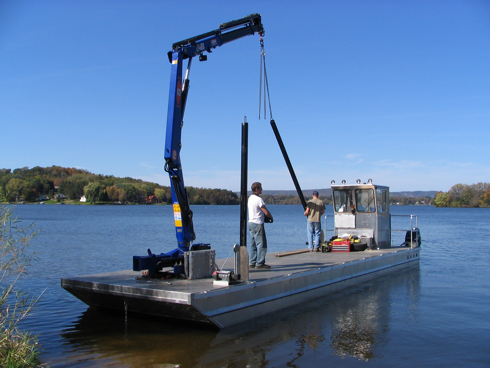 Barge Crane Barge Cranes Oil Cleanup Grapple Crane